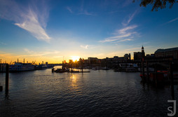 Sonnenuntergang im Hafen (Hamburg)