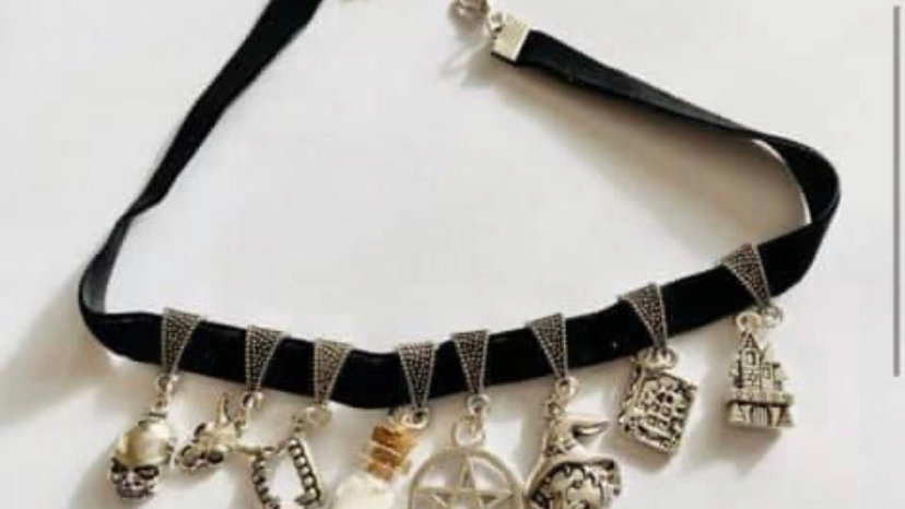 Protection inspired choker