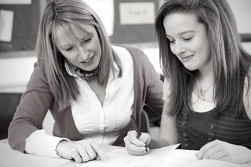 Female-tutor-and-student_bw.png