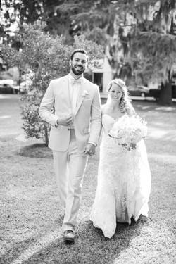 bride and groom black & white