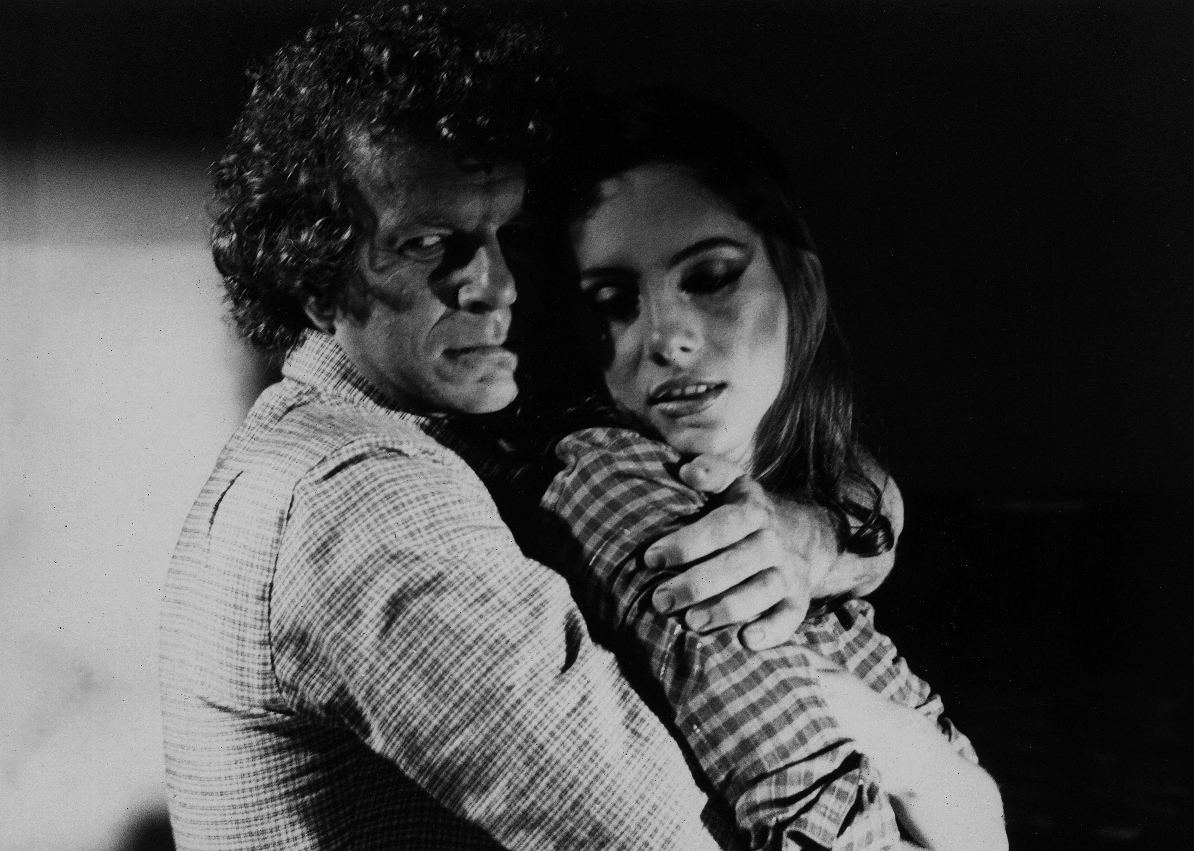 Jonas Bloch e Nicole Puzzi