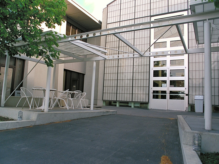 Apple Computer Courtyard Pergola