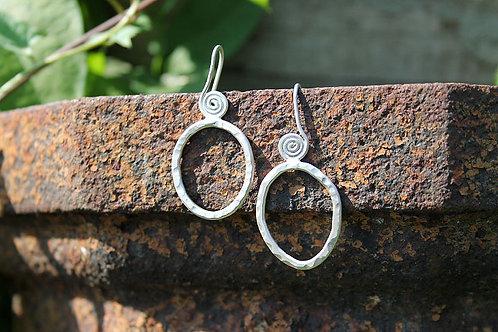 oval swirly wire hook earrings