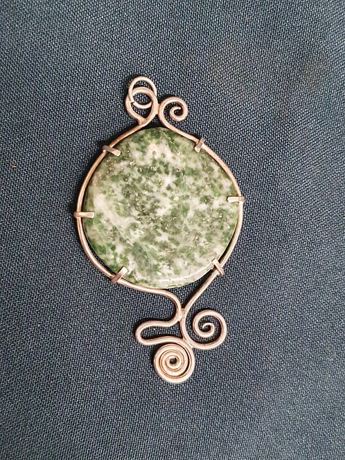 Agate Claw framed pendant