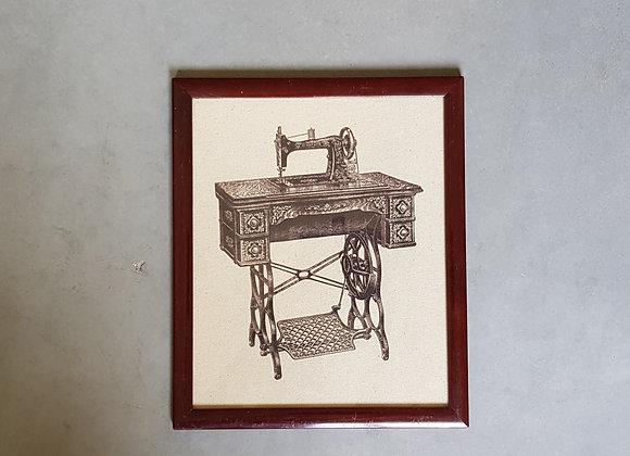 תמונת וינטג' של מכונת תפירה