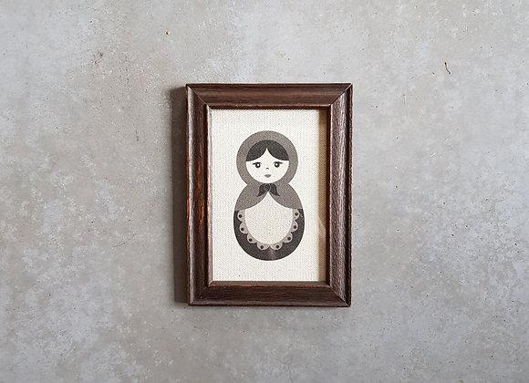 'תמונה של בבושקה במסגרת וינטג