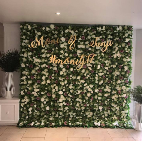 Green & White Flower Wall Hire
