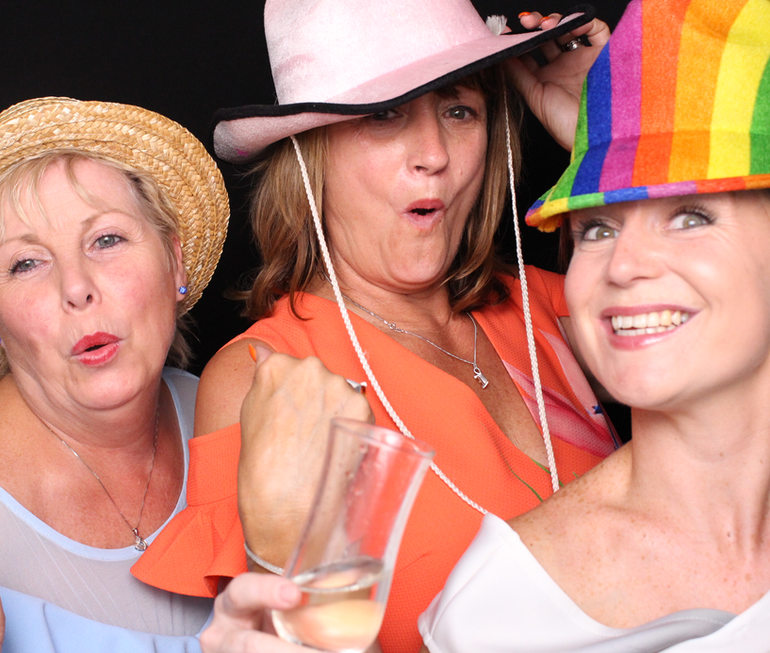 Pink Giraffe Photobooth Hire South West