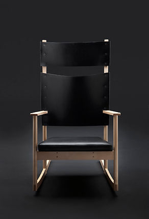 ELSA rockingchair black FRONT.jpg