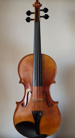 hand made violin based on the 1718 Maurin Stradivarius, front
