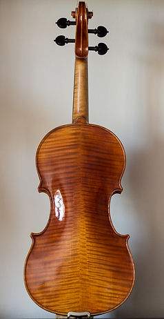 hand made violin based on the 1718 Maurin Stradivarius, back