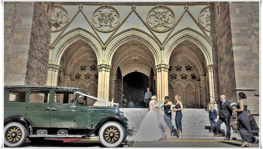 Bonnie wedding car