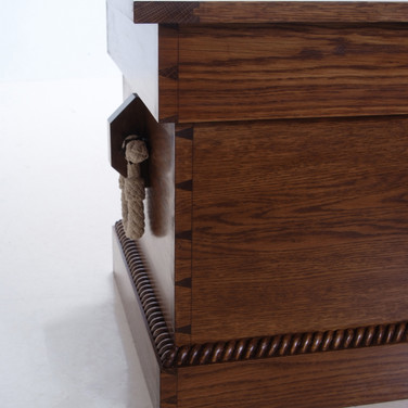 detail of dovetails, rope, and beckett