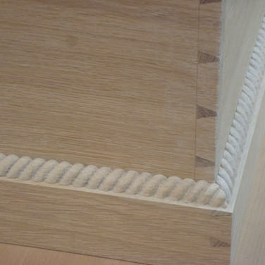 applying the carved rope molding
