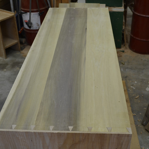 lower case dovetails