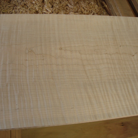 top dovetailed to sides