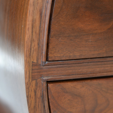drawer divider dovetailed to curved side