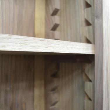 adjustable shelves