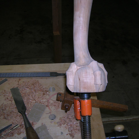 carving the foot