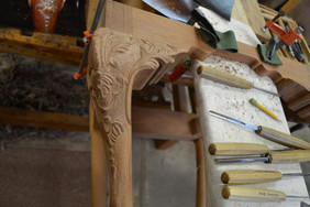 carving-the-knee