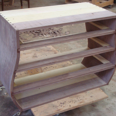 carcase dovetailed with drawer dividers