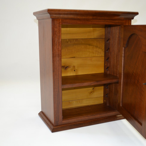 view of adjustable shelf