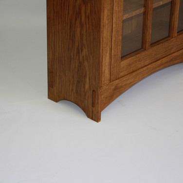detail of through tenon and foot