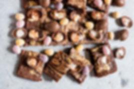 Mini-Creme-Egg-Brownies-13_edited_edited