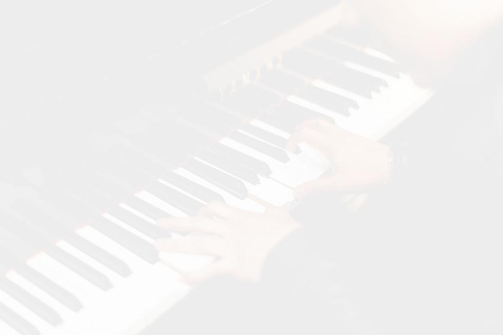 pianist-1149172_1920_edited_edited.png