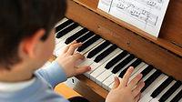Klavierunterricht Wien, Klavierlehrer Wien, Klavier lernen Wien. Professioneller Klavierunterricht für Kinder, Jugendliche und Erwachsene von ausgebildetem Pädagogen und Konzertpianisten.