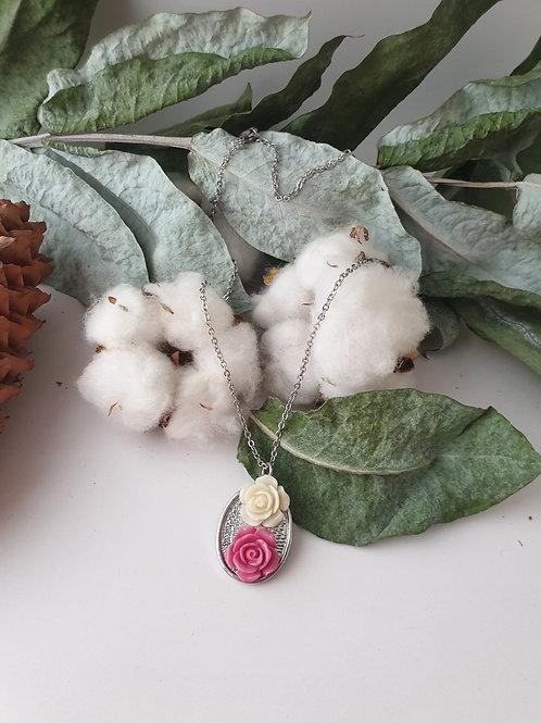 Collier fleurs rose et blanche