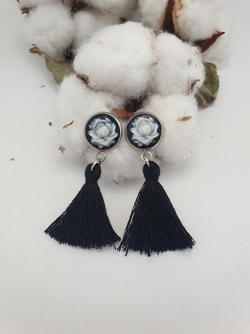 Boucles d'oreilles fleurs et pompons NOIR