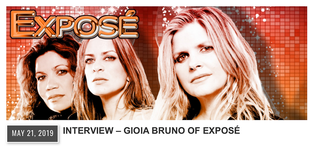 Photo of Exposé with red and orange background