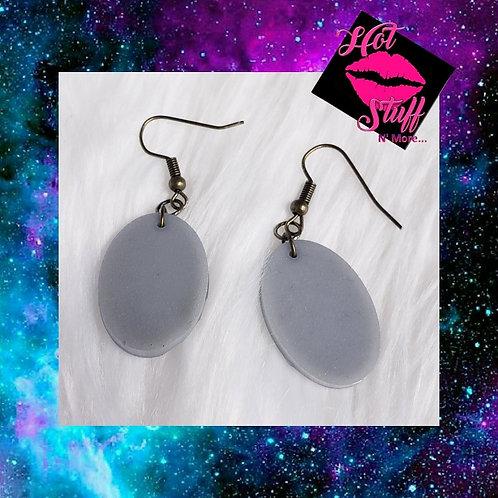 Small Oval Dangle Earrings