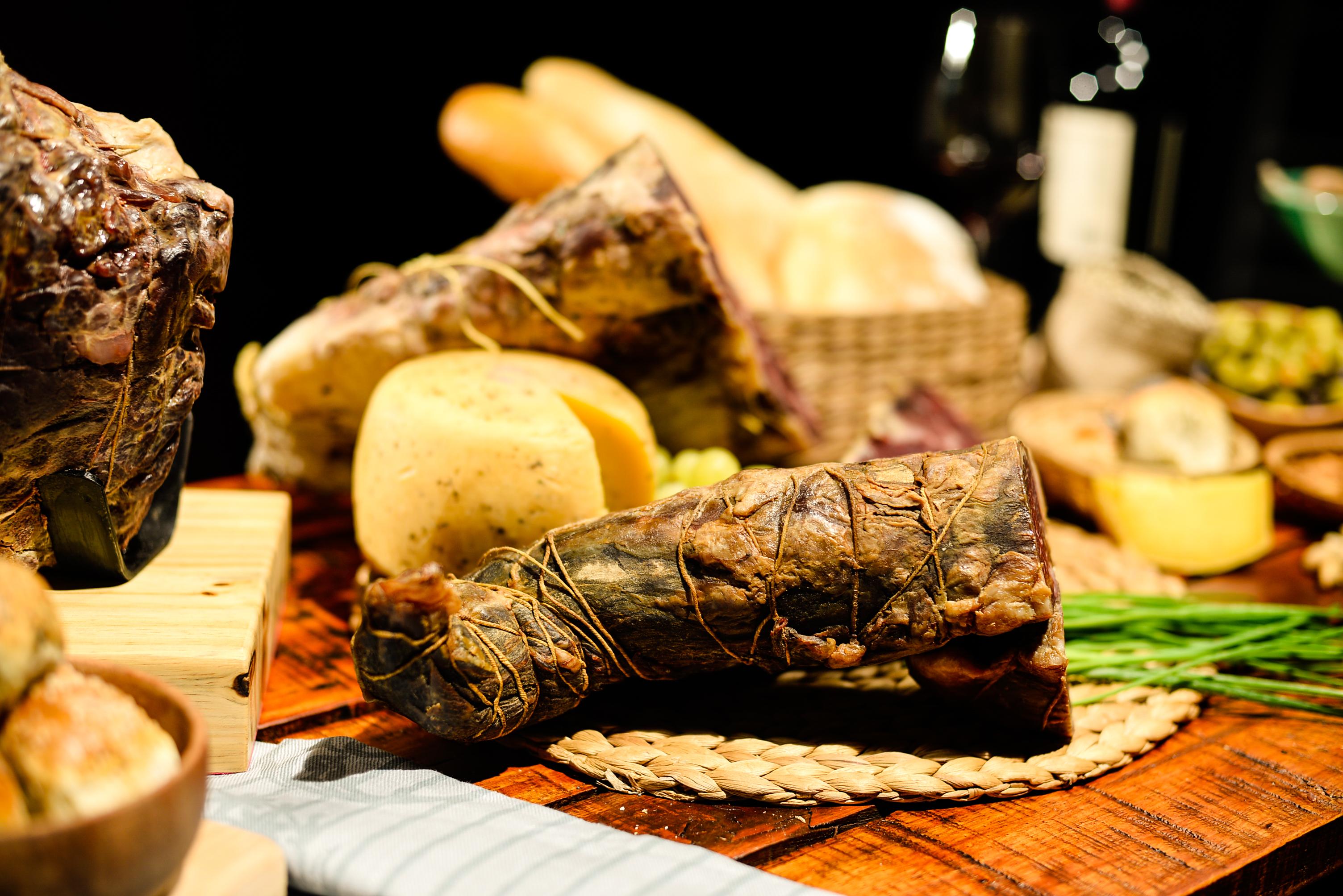 Carne Kobe curada y ahumada.