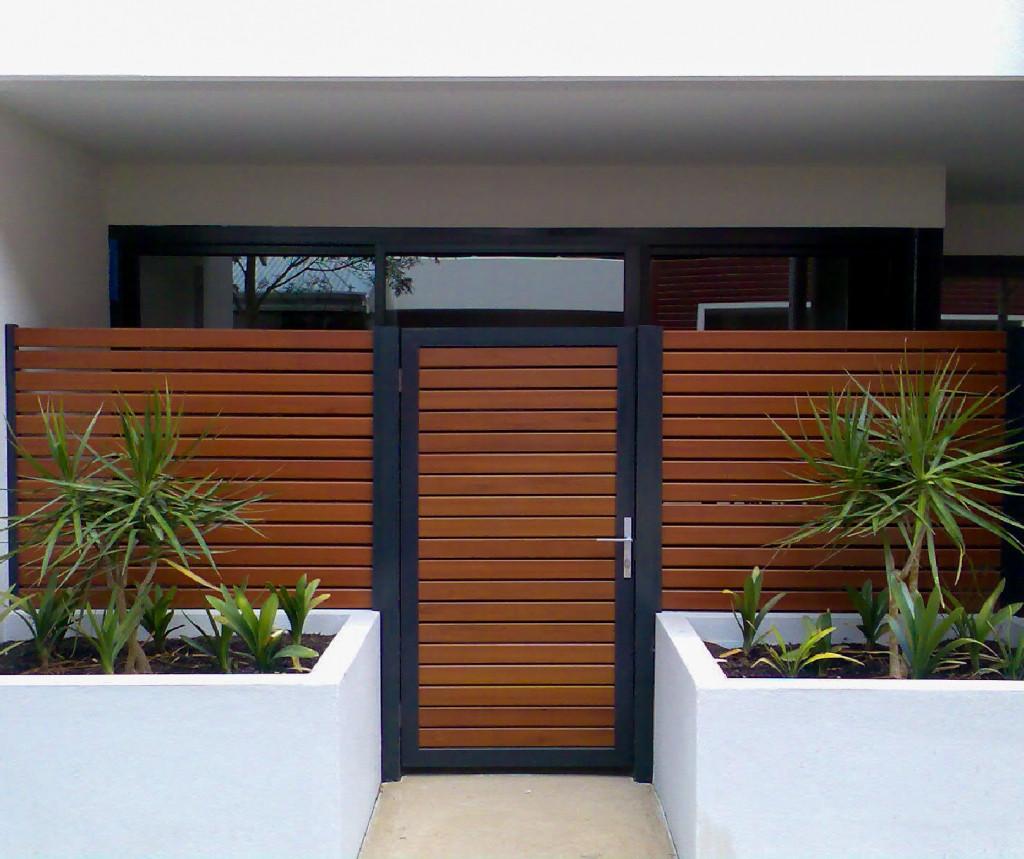Gate1.jpg