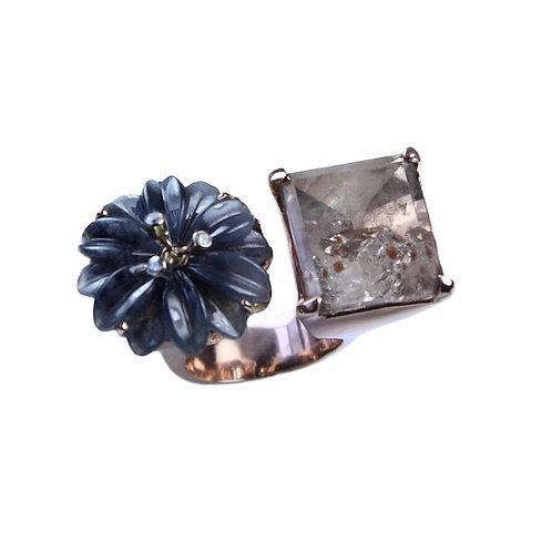 Black Chrysanthemum Diamond & Rose Gold Ring