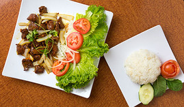 Beef-diced-steak-with-rice-and-veggies-a