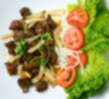 beef diced steak vietnamese food cube steak onions salad rice plate bolsa vietnamese restaurant in san dieo mira mesa