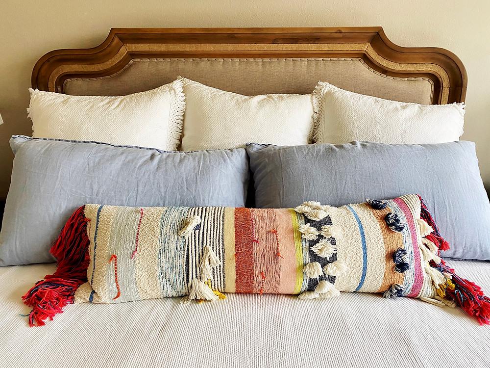 bedroom pillow design interior