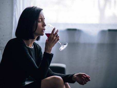 Hijos e hijas de alcohólicos - Adicciones, secretos y neurosis familiar - SABER SANAR PODCAST