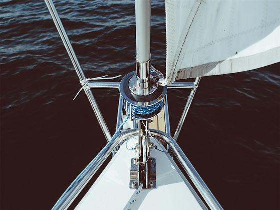 sailing-605504_1920.jpg