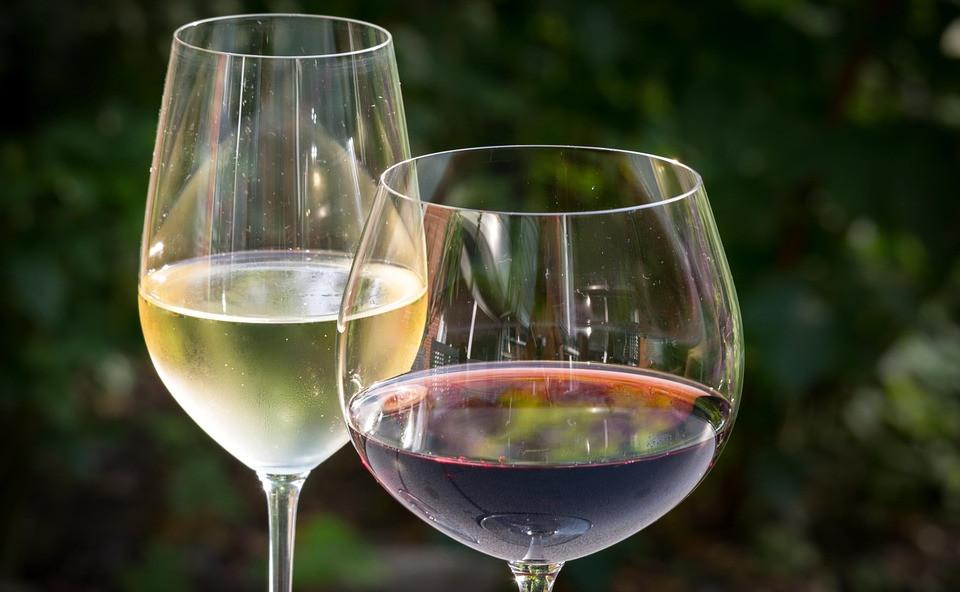 white-wine-848268_960_720.jpg