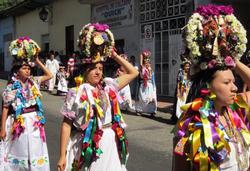Bucerias Cora Festival women