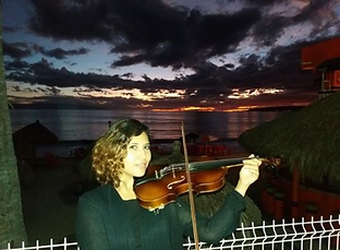 Dolce Stretto Bucerias violinist.PNG