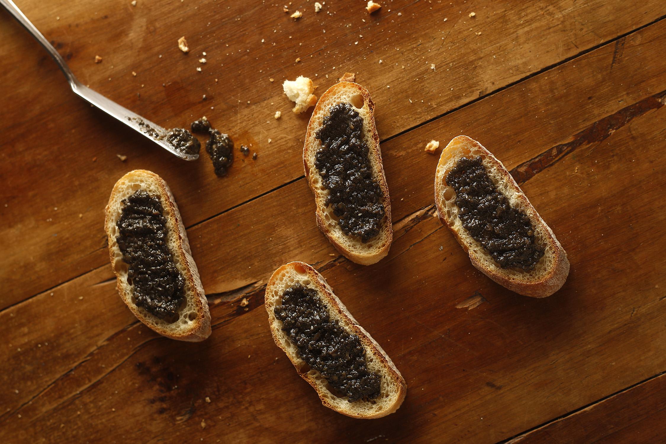 truffle-sauce-bruschette_002