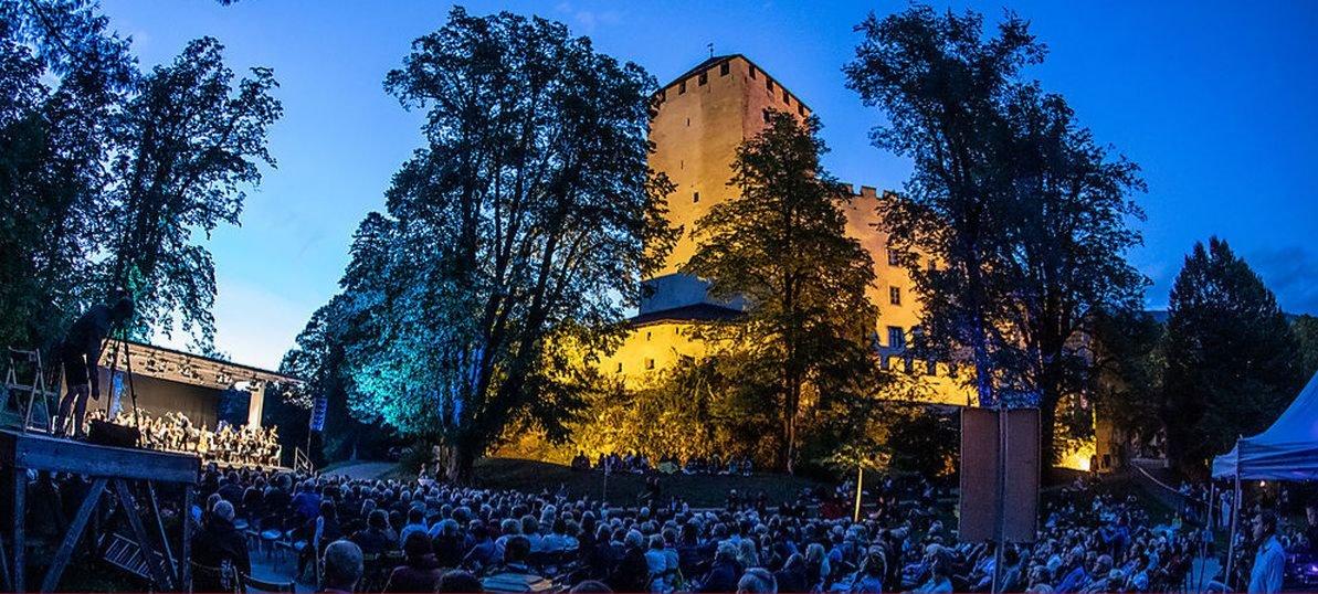 Sommernachtskonzert Schloss Bruck