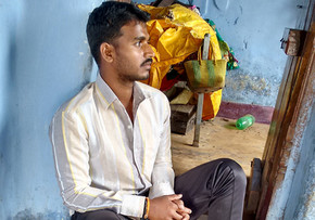 Man post-recovery from snakebite, India. Lillian Lincoln Foundation.
