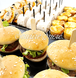 mini pizza - mini quiche - moyen burger - buffet roussillon - buffet traiteur - traiteur r