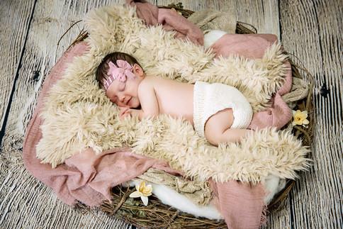 Newborn Photographer Corey Cagle 003LR.j